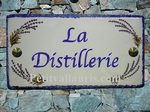 PLAQUE DE MAISON FAIENCE RECTANGLE DECOR LAVANDES TEXTE BLEU