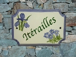 HOUSE PLAQUE STYLE SMALL MODEL WITH IRIS AND GENTIAN PAINT