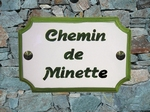 PLAQUE DE MAISON FAIENCE RECTANGLE STYLE BORD ET TEXTE VERT