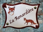 PLAQUE DE MAISON EN FAIENCE PARCHEMIN DECOR RENARDS