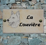 PLAQUE DE MAISON FAIENCE RECTANGLE DECOR CHIEN LOUP