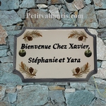 HOUSE PLAQUE PINE CONE DECOR GREY BORDER BLACK INSCRIPTION